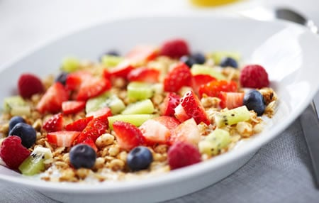 Dry breakfast cereal can be a healthy breakfast for weight loss by adding fruit.