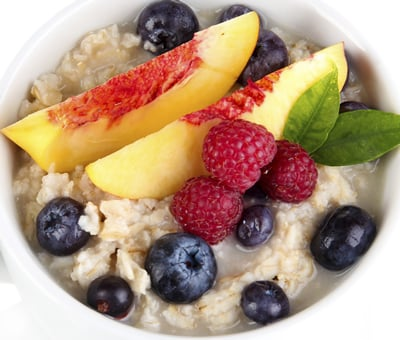 Berries & Oatmeal are the healthiest foods for weight loss