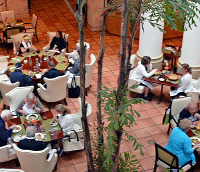 Guests enjoying lunch at the Pritikin weight loss resort.