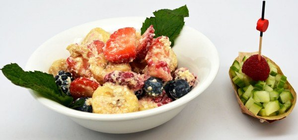 Banana Berries and Cottage Cheese Salad Recipe