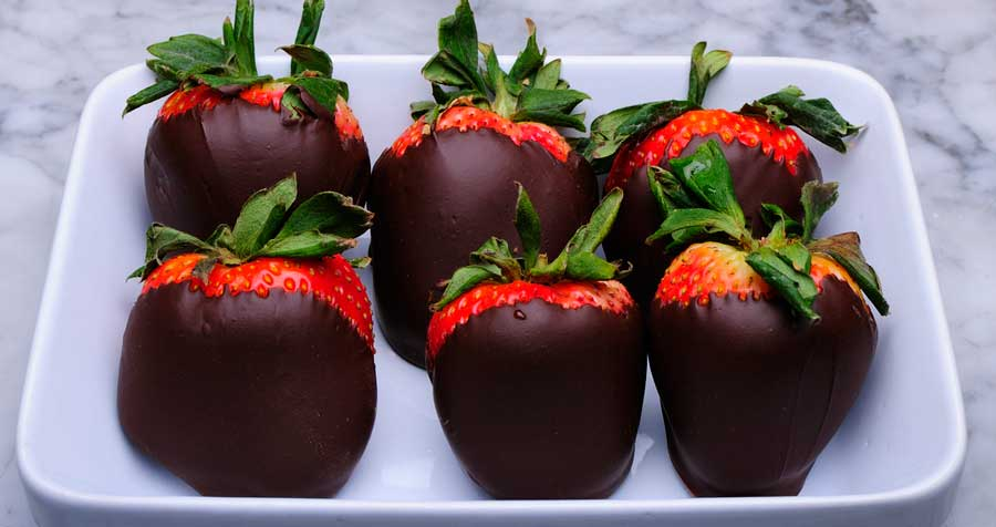 Enjoy Chocolate Covered Stawberries and Lose Weight